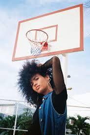 Bildergebnis für das Fotoshooting mit dem Modell eines Basketballplatzes   – photoshoot