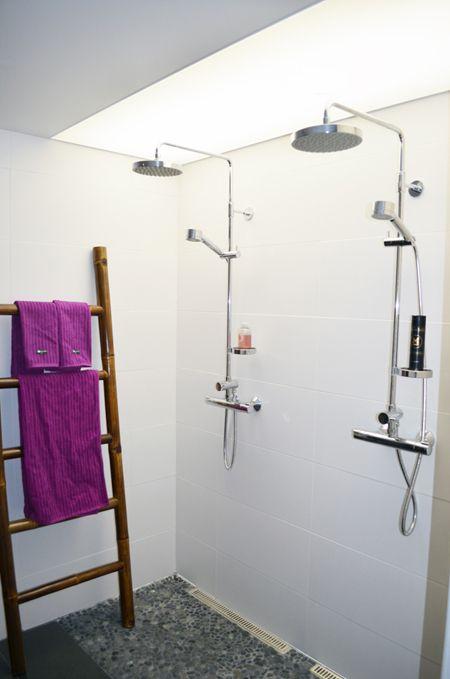 Kylpyhuoneen valokatto   Asuntomessut