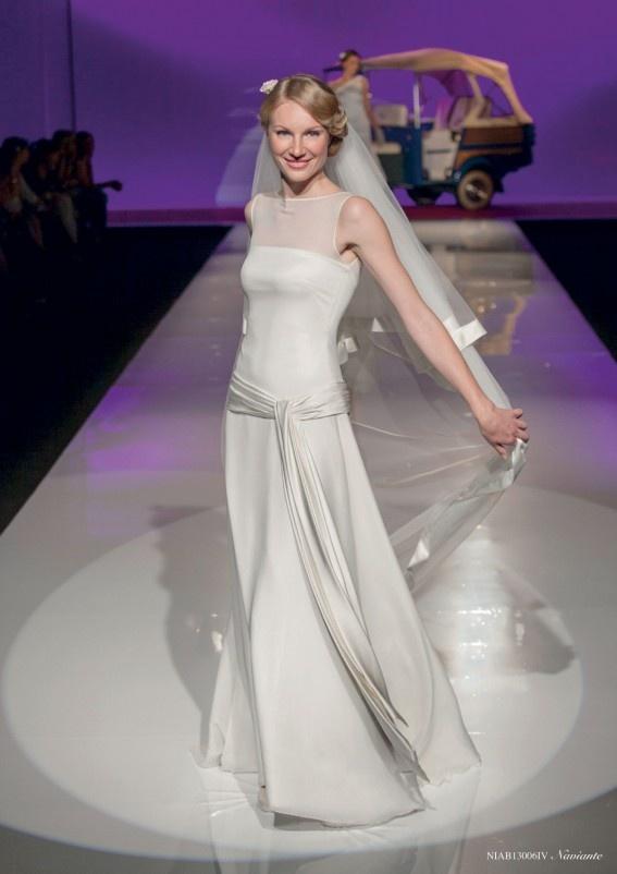 Collezione abiti da sposa #Nicole, abito da #sposa modello Naviante