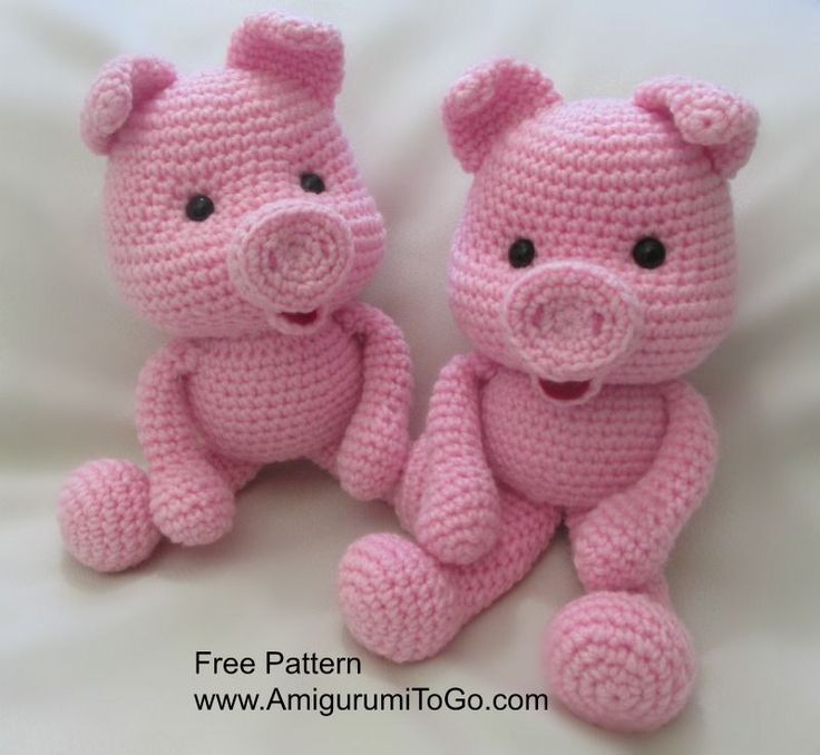 "Pigs are about 10.5 inches tall (pattern has been also translated into Spanish here )   Click ""read more"" then scroll down this page f..."