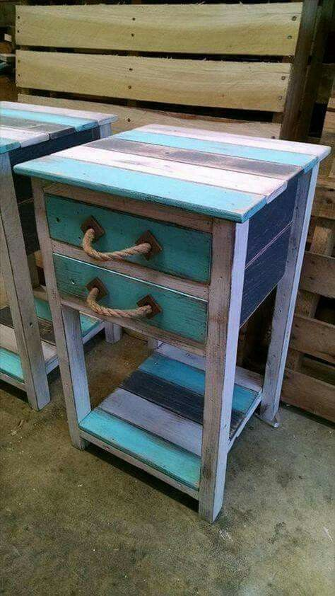 Small side tables out of pallet wood