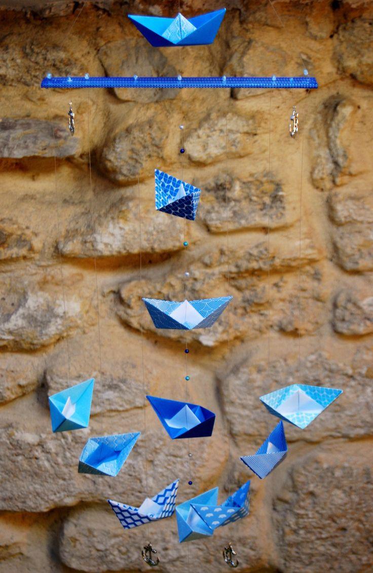 """Mobile origami petit bateau: """"lever l'ancre"""" petits-papiers-celestes.com"""