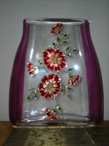 vaso dipinto a mano con decorazione floreale