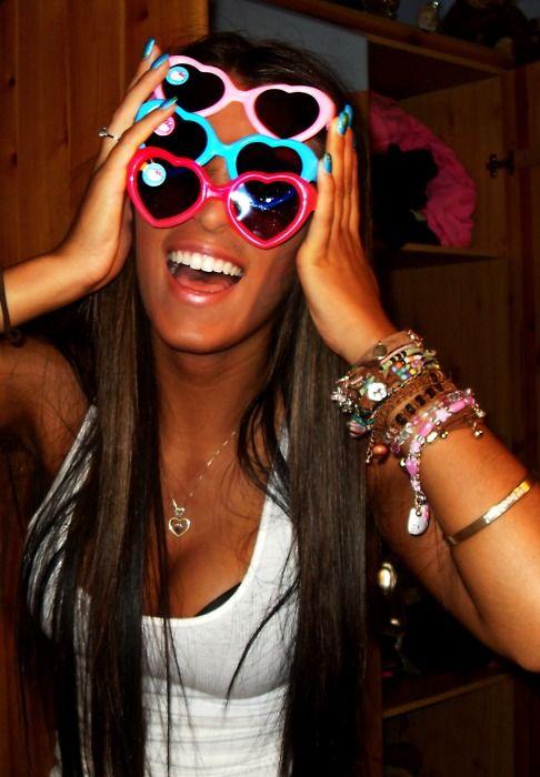 eb96174ef5747 Pulseiras De Melhores Amigo, Horário De Verão, Praia De Verão, Diversão No  Verão, Coisas Divertidas, Óculos Ray Ban, Cores Fortes, Forma De, Unitário