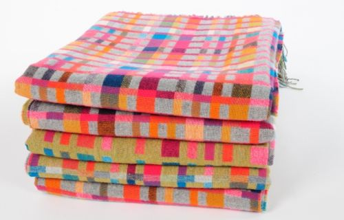 """morse code blankets!  pretty and spell out """"love"""" in morse code.  brilliant"""