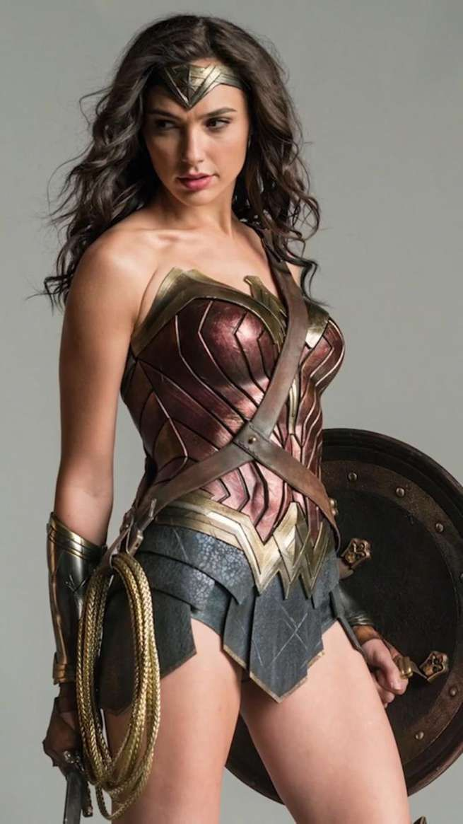 Hey hey hey, I'm Wonder Woman. Everyone knows almost everything about me so I'm going to say a few words and turn it to the next person. I use a lasso of truth, I have a shield, knives, and a cape that I sometimes wear. See you around