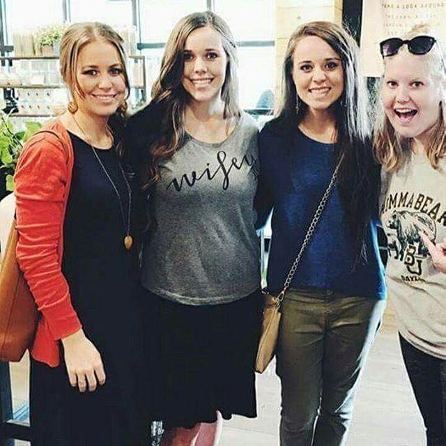 Duggars: Jessa, Jinger & Jana Visit Chip and Joanna Gaines' Magnolia Market