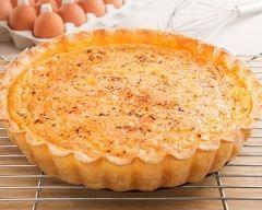 Tarte au thon et au boursin® poivre : http://www.cuisineaz.com/recettes/tarte-au-thon-et-au-boursin-poivre-10486.aspx