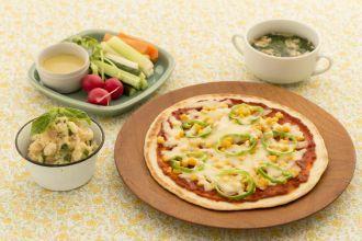 お好み次第でトッピング!手作りフライパンピザ|オンライン料理教室【ゼクシィキッチン】