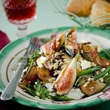 Kycklingsallad med balsamicobetor - Recept - Tasteline.com
