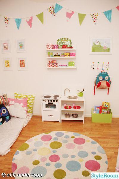 Guirnaldas pastel habitación bebé