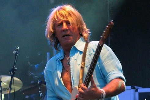 Status Quo star Rick Parfitt dies in Spanish hospital at age of 68 :http://www.theolivepress.es/spain-news/2016/12/24/status-quo-star-rick-parfitt-dies-in-spanish-hospital/