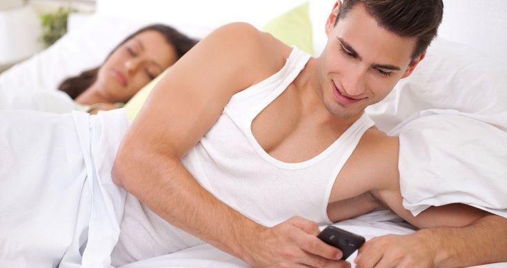 ¿Se presta la Navidad para la infidelidad? | Por: @linternistahttp://medicinapreventiva.info/generalidades/9041/se-presta-la-navidad-para-la-infidelidad-por-linternista/Aparentementela gente es másmentirosa durante la Navidad. Y no de forma piadosa. Un estudio realizado por Clover, la aplicación para Smartphone que combina la simplicidad de Tinder con la eficacia de páginas como Match.com, asegura que somos más infieles a nuestras parejas durante estas fiestas. La ra