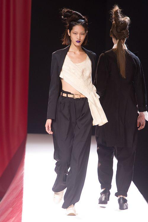 ヨウジヤマモト(Yohji Yamamoto)2012年春夏コレクション Gallery12