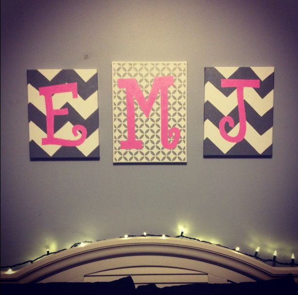 Monogram - middle canvas plain with chevron on the sides