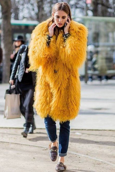 Calling all fashion girls! We listed all the best places to shop at for the Cyber Monday. You're welcome.