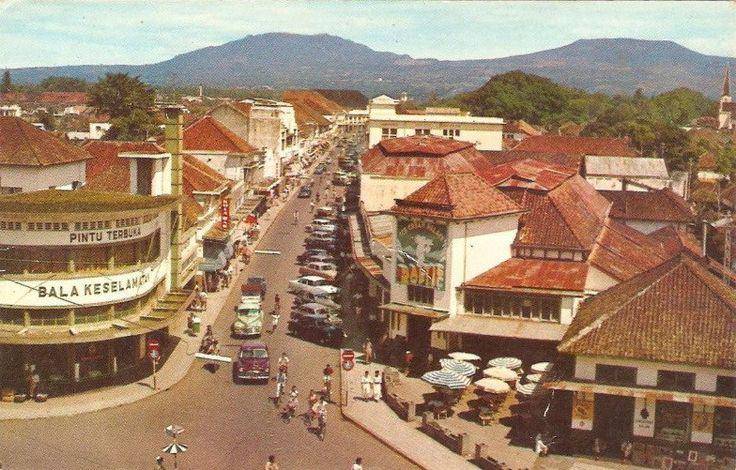 Jalan Braga Bandung Tahun 1960an
