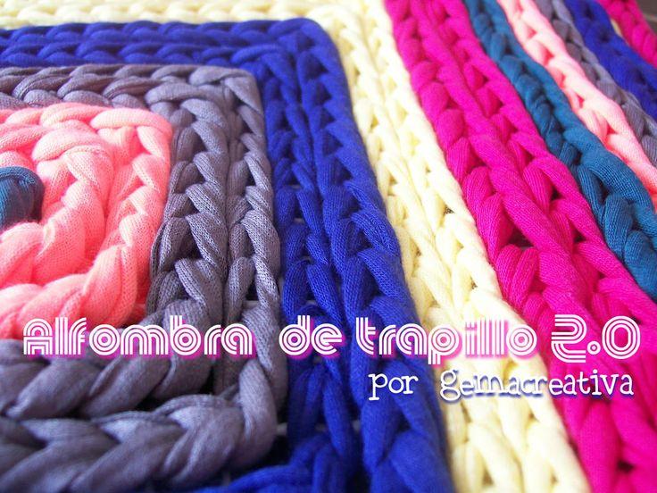 Alfombra confeccionada con trapillo en punto cadeneta sobre una rejilla. #diy #manualidades #ganchillo #crochet #trapillo #tirelas #totora #alfombra #rug: Crochet Trapillo, Cadeneta Sobre, Alfombra Rugs, Confeccionada Con, Alfombra Confeccionada, With Trapillo, Diy, Crafts, Crochet