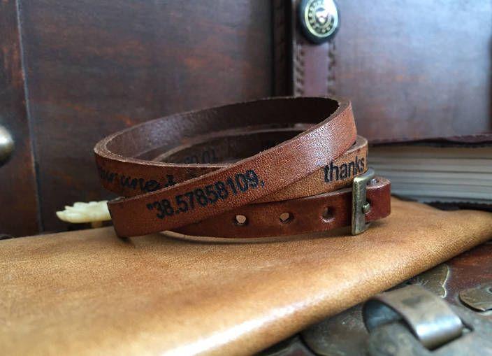 Bracelet cuir vintage gravé proverbe mots  personnalisés, bracelet femme homme cadeau noël de la boutique ImpulsionCreation sur Etsy