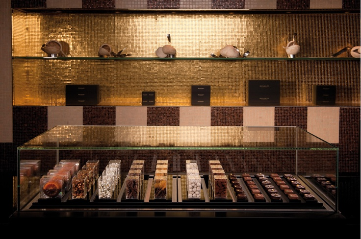 Pictures of Café Osaka restaurant, Japan - Bulgari Hotel Resort