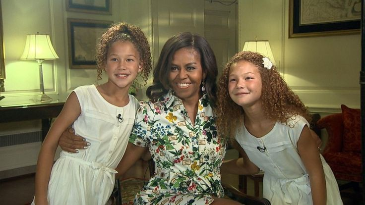 Michael Strahan's Twin Daughters Interview First Lady Michelle Obama at White House Kids' 'State Dinner'