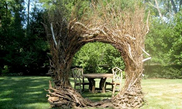 garden sculpture made from grapevne, bittersweet & driftwood: Gardens Sculpture, Natural Outdoor, Natural Arches, Gardens Entrance, Amazing Entrance, Outdoor Sculpture, Gardens Spaces, Garden Sculptures, Natural Design