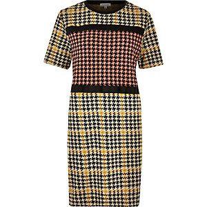 Gele jurk met pied-de-poule print