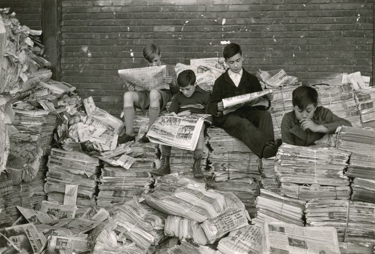 Maynard Owen Williams, Reading the News in France, National Geographic