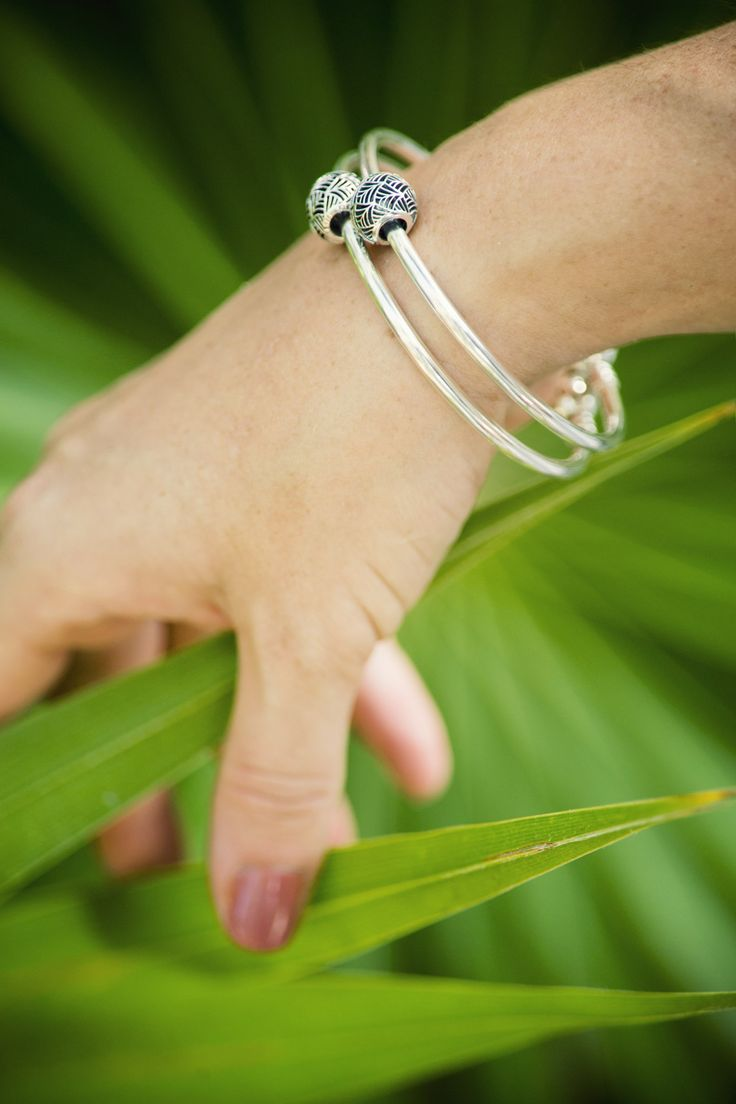Go For A Simple Styling For Your Tropical Getaway Jamie Beck Of The Blog  Annstreetstudio · Silver Bangle Braceletspandora Braceletspandora Jewelry Charm