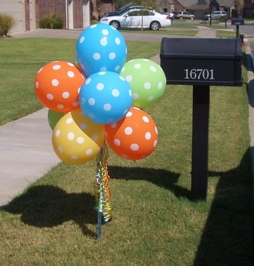 Outside Balloon Topiary - love having it by mailbox!!
