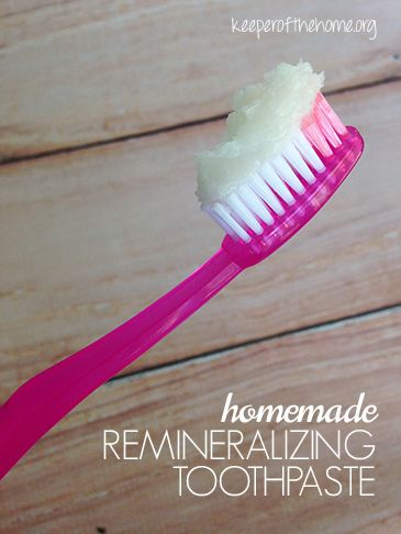 Common oral care is treatment, but with this homemade toothpaste you'll be more preventative and remineralize your teeth!