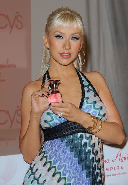 "Christina Aguilera Photos - Christina Aguilera launches her new fragrance ""Inspire"".Macy's Glendale Galleria, Glendale, CA.December 5, 2008. - Christina Aguilera Launches Her New Fragrance"