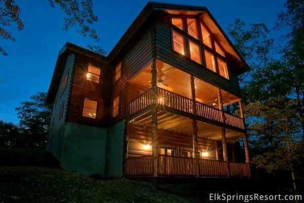 Enjoy an amazing vacation with you and 15 of your friends at Pinnacle Vista - a luxury 6 bedroom cabin just 15 minutes from Gatlinburg