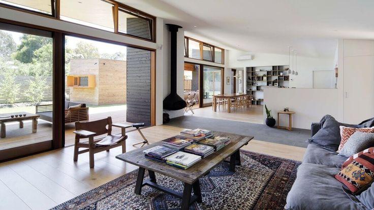 Offener Plan führt zur großen Veranda im hellen Haus in Australien