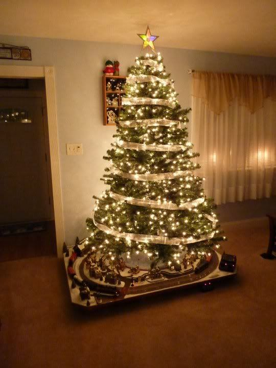 13 best ho scale christmas village images on pinterest christmas ho scale christmas train village delco cruisers forums christmas train layouts delco cruisers solutioingenieria Choice Image