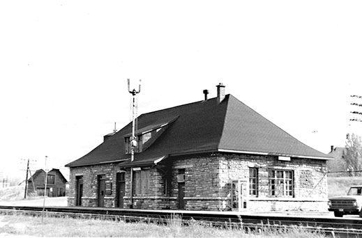 PEMBROKE, Ontario - CPR stone railway station - MAT02718