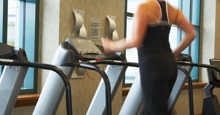 """De acordo com consultores de fitness como Rachel Crocket da revista Oxygen, uma rotina de """"treinamento de alta-intensidade com intervalos"""" (HIIT, sigla em inglês) é um ..."""