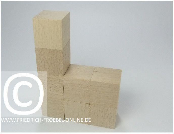 Gift 3 Froebel:  Kirche, gebaut mit Holzbausteinen natur (mit Spielgaben nach Froebel)