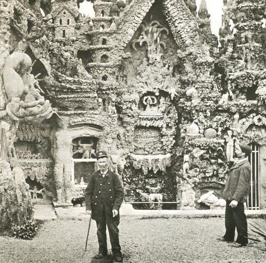 Joseph Ferdinand Cheval, plus connu sous le nom du facteur Cheval, (19 avril 1836 à Charmes-sur-l'Herbasse, Drôme, France -- 19 août 1924 à Hauterives, Drôme) est un facteur français, célèbre pour avoir passé 33 ans de sa vie à édifier un « Palais idéal » et huit années supplémentaires à bâtir son propre tombeau, tous deux considérés comme des chefs-d'œuvre d'architecture naïve. ------ Lien Officiel - du PALAIS IDEAL - http://www.facteurcheval.com/