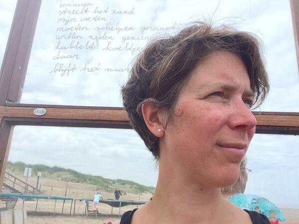 WERKEN, op het strand, thee rust vrijheid, CREATIVITEIT, bij de hand. - @123Oase
