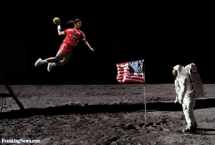 Fly me to to the moon @AntiqueHandball #handball (@BanusAlex)