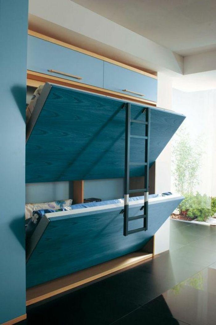 les lits superposés dans la chambre à coucher avec meubles gain de place
