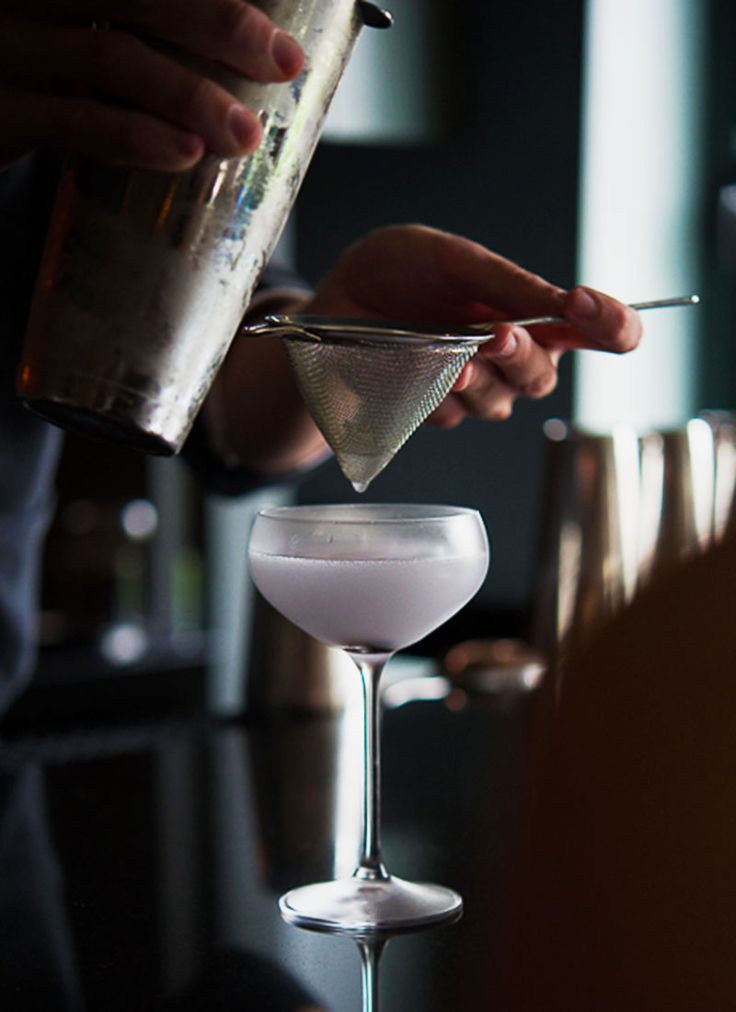 Aviation cocktail recipe: A lost classic, rediscovered and restored to its original hue. | Photo: Daniel Krieger
