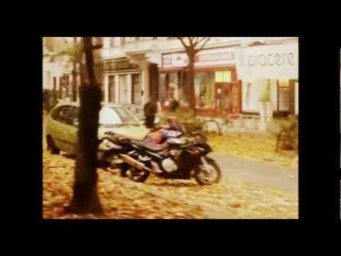 Hawelka - Nach Westen. Music video that was shot in Vienna on the Ring tramway