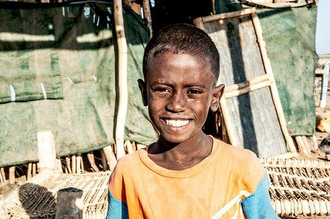 Bambino Afar al campo base di Ahmed Ela (Etiopia 2013)