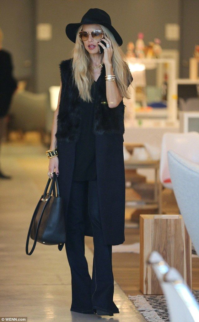 Rachel Zoe dons white beanie hat to pick up her son Skyler from school | Daily Mail Online