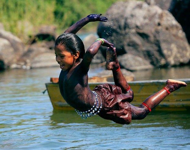 Criança guarani-kaiowá, Mato Grosso do Sul, Brasil.