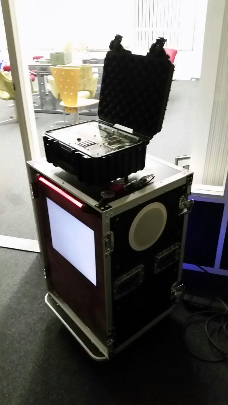 Mobile time bomb game station. Fort de Hel / Samson Electronics Service