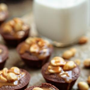 Snickers Brownie Bites | Give me something good to eat! | Pinterest