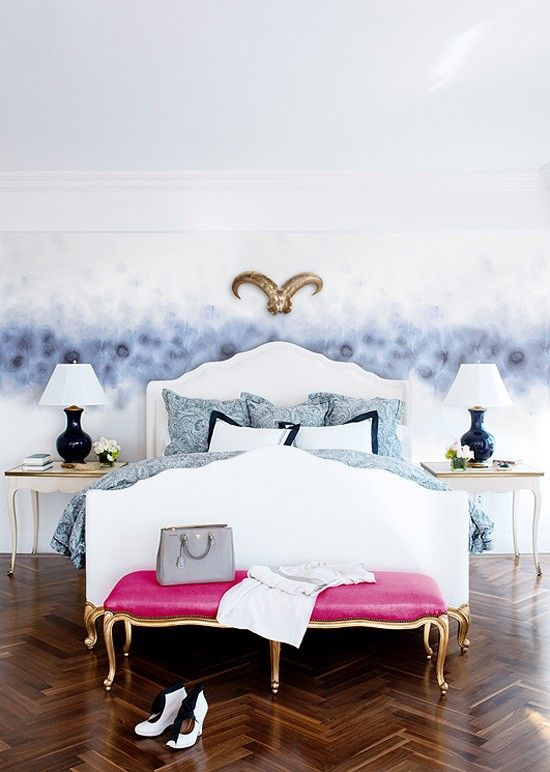 Ombre wallpaper and pink bench. Statement!